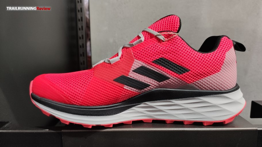 vendaje precoz Muslo  Adidas Terrex Two - TRAILRUNNINGReview.com
