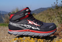 Review Altra - Lone Peak 3.0 Mid Neoshell