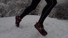 Altra Lone Peak 3.5: Altra Lone Peak 3.5: La nieve no es problema, pero la caña baja puede dejar entrar nieve. Valorad polainas.