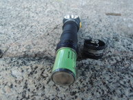 Armytek Wizard Silver XM-L2 v2: Armytek Wizard Silver XM-L2 v2: relación tamaño pila-lámpara