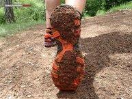 Asics Fuji Trabuco 5: Asics Fuji Trabuco 5:El barro sin duda se pega, tiene muy poco taco para drenarlo