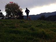 Asics FujiTrail Knee: Asics Fujitrail Knee: Puesta de sol con frío en los Pirineos
