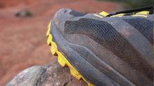Asics Gecko XT: La mediasuela FlyteFoam amortigua a la perfección. Ideal para corredores de peso medio