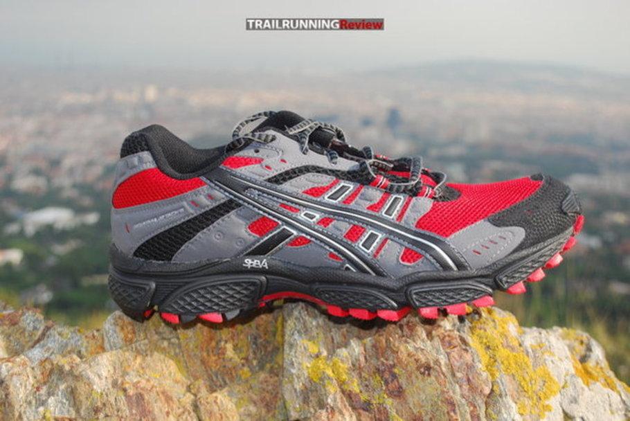asics trabuco trail