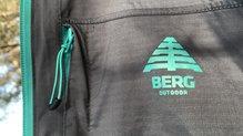 Berg Outdoor Mustang: Berg Outdoor Mustang con bolsillo en el pecho y tirador
