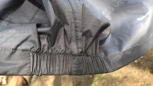 Berg Outdoor Mustang: Ajuste cintura con elásticos