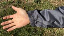 Berg Outdoor Mustang: Ajuste de la muñeca con elástico