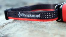 Black Diamond SpotLite160: La cinta incorpora elementos reflectantes