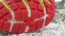 Brooks Adrenaline GTS 16: Algún taco de la goma más adherente ha sucumbido a los terrenos pedregosos.