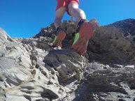 Brooks Mazama: Brooks Mazama: Agarre en rocas del Cap de Creus.