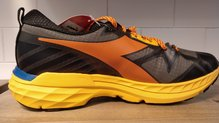 Frontal de Calzado: Diadora - Mythos Blushield Trail