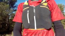 Dynafit Alpine Running Vest: El bolsillo con cremallera de la Dynafit Alpine Running Vest no ha resultado impermeable