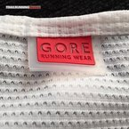 Gore Running Wear Essential Base Layer: La fundación de W. L. Gore and Associates data de 1958.