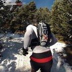 Gore Running Wear Essential Base Layer: Aun utilizando mochila, la transpirabilidad de la Essence Base Layer es muy adecuada.