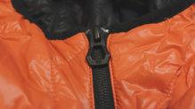 Helly Hansen Lifaloft Hooded Insulator Jacket: La cremallera protege muy bien y no se engancha en ningún momento