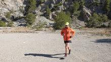Helly Hansen Lifaloft Hooded Insulator Jacket: Nos hemos atrevido a salir a correr con ella en días de sol y es casi imposible