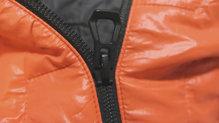 Helly Hansen Lifaloft Hooded Insulator Jacket: La cremallera es de primera calidad y nos ha funcionado a la perfección