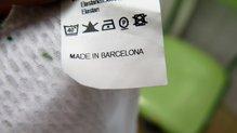 Komland Minimal: Pese a importar el tejido con la que está confeccionada, la camiseta Komland Minimal es un producto local.