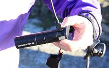 Ledlenser H8R: Detalle de la conexión USB que sirve para poder cargar la bateria del Led Lenser H8R