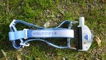 Ledlenser MH11: Ledlenser MH11 parte frontal desmontable y ubicación de la bateria recargable