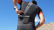 Lurbel Trail Pro Duo: Lurbel Trail Pro Duo cuenta con dos bolsillos de diferentes tamaños en la espalda
