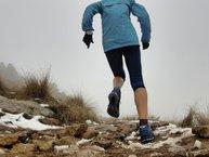 Merrell Agility Peak Flex: Merrell Agility Peak Flex: en terreno mojado con tierra y piedras de distintos tamaños también se defienden