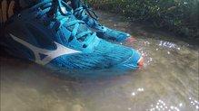 Mizuno Wave Ibuki GTX: El Goretex de las Mizuno Wave Ibuki GTX protege del agua si pasamos por riachuelos.