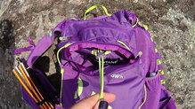 Montane Claw 14: Montane Via Claw 14. Viene con un sistema de ajuste de material trasero. En el interior de uno de los bolsillos encontramos uno de los extremos.