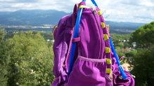 Montane Claw 14: Vista del ajuste del tubo de la bolsa de hidratación (no incluida en la mochila Montane Via Claw 14).