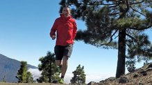 Montane Minimus Stretch Ultra Jacket: MONTANE MINIMUS STRETCH ULTRA: fit ajustado con elasticidad para tener libertad de movimientos