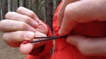 Montane Minimus Stretch Ultra Jacket: MONTANE MINIMUS STRETCH ULTRA: cordino de ajuste de la capucha, fácil de usar