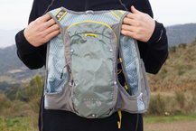 Frontal de Mochilas: Mountain Hardwear - Race Vest Pack