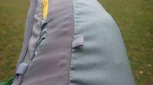 Mountain Hardwear Race Vest Pack: Mountain Hardwear Race Vest Pack: Capacidad extensible gracias a los bucles si ponemos un elástico