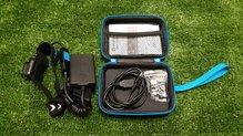 Olight HS2: Cargador, instrucciones y pinzas de plástico de enganche a la cinta..