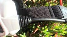 Petzl NAO+: Detalle cable en buen estado.