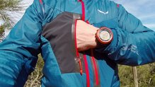 Salewa Pedroc Hybrid Polartec Alpha 2/1 Softshell Jacket: Salewa Pedroc Hybrid Polartec Alpha, bolsillos pectorales.