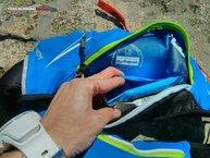 Salomon Agile Belt 500 Set: Salomon Agile Belt 500 Set: compartimento en el bolsillo trasero, pegado a la espalda