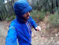 Salomon Bonatti Pro: Salomon Bonatti Pro: La capucha protege bien al correr