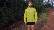 Salomon Bonatti Race WP Jacket:  La Salomon Bonatti Race WP JKT M  se adapta muy bien al cuerpo del corredor