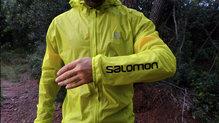 Salomon Bonatti Race WP Jacket: Nos ha gustado mucho las letras en la manga izquierda