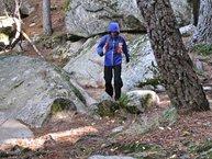 Salomon Bonatti WP Jacket W: Salomon Bonatti WP: con mucho viento tendemos a agachar la cabeza para mantener la capucha puesta