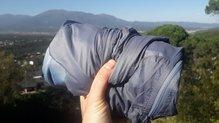 Salomon Elevate Aero FZ Mid W: Chaqueta Salomon Elevate Aero FZ Mid W, esto es lo máximo que se puede plegar sin poder guardarse en un propio bolsillo.