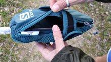 Salomon Pulse Handheld: Salomon Pulse HandHeld: en el bolsillo cabe incluso el teléfono