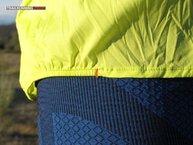 Salomon S-Lab Light Jacket 2016 W: Salmon S-Lab Light Jacket W: ajuste con gomas a los lados de la cintura