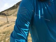 Salomon S-Lab Light Jacket: Salomon S-lab Light Jacket: detalle relfectante hombro derecho