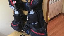 Salomon S-Lab Peak 20: En la parte delantera de la Salomon SLAB Peak 20 se encuentran dos bolsillo para llevar botellas de hidratación
