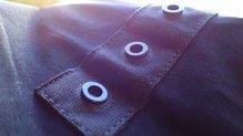 Salomon S-Lab Sense Boxer: Salomon S-Lab Sense Boxer: Clips para fijar el cinturón de la gama modular. Centro cintura, delante y detrás.