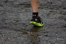 Scott Kinabalu RC: Con las Scott Kinabalu RC bajo la lluvia