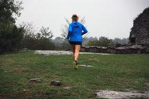 Scott Kinabalu RC: Probando la adherencia de las Scott Kinabalu RC en hierba mojada