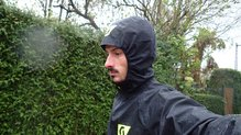 Scott RC Run Waterproof Jacket: Scott RC Run Waterproof Jacket: probando la impermeabilidad en un día lluvioso